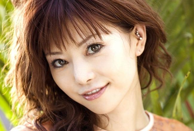 【衝撃】あかねほたる(紅音ほたる) 死去!潮吹きクイーンとして活躍したAV女優秋月杏奈さんが死去してる事が分かった・・・。