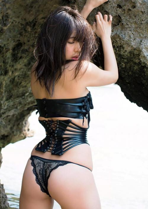 鈴木ふみ奈 16