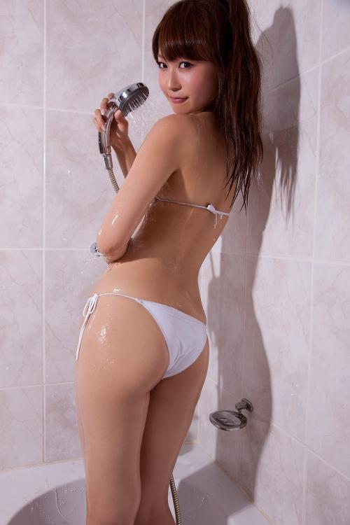白ビキニ 32
