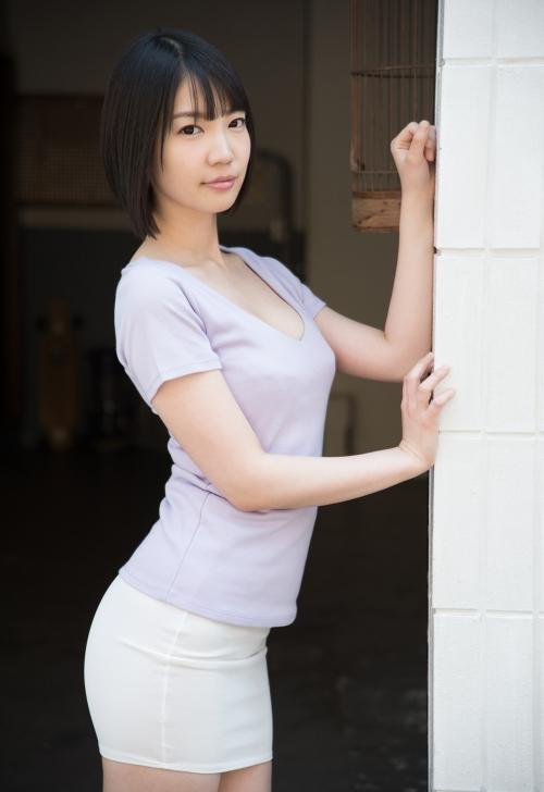 鈴木心春 02