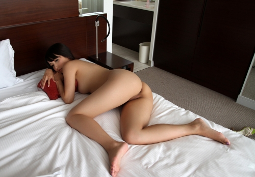 友田彩也香 73