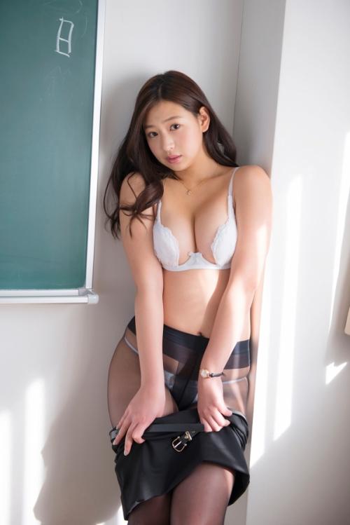佐山彩香 59