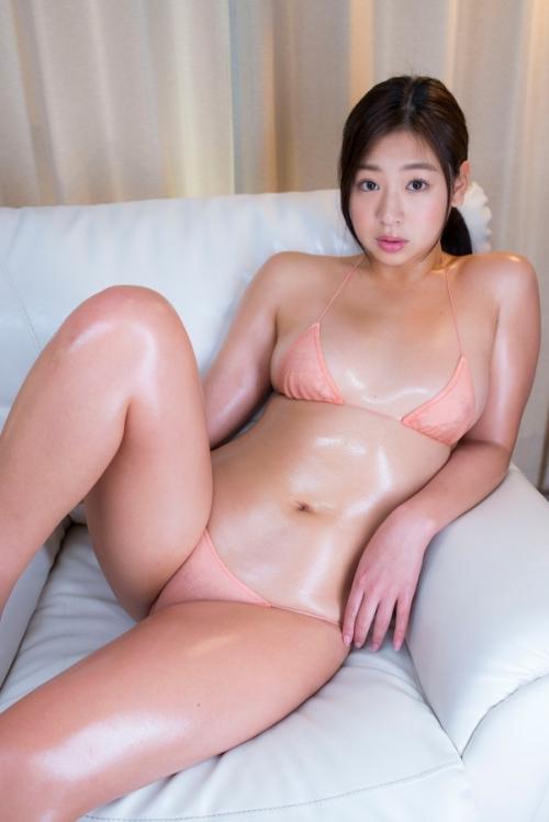 佐山彩香 64