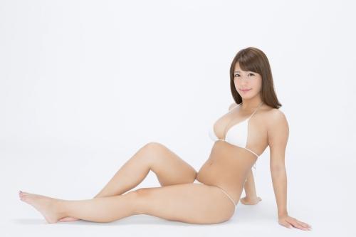 橋本梨菜 37