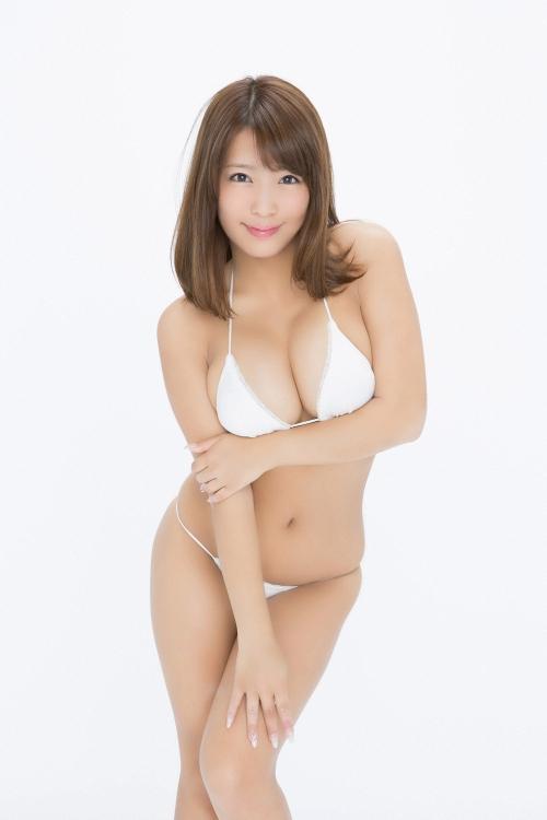 橋本梨菜 47