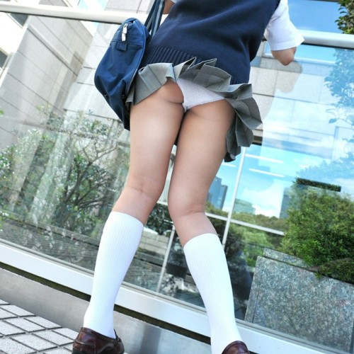 10代小娘パンツ丸見え 若さ故の性暴走☆自ら魅せつける、その若い性に胸が熱くなるな☆ Vol.8