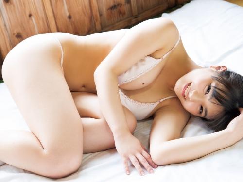 片岡沙耶 24