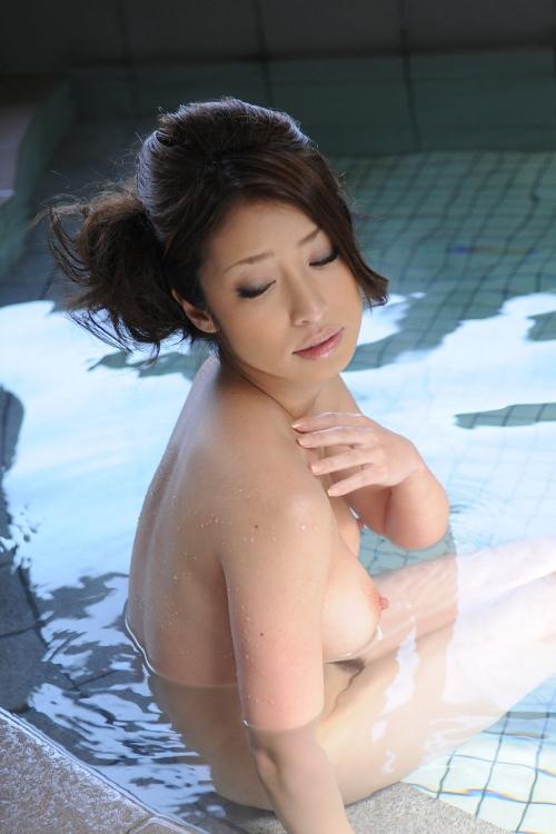 温泉 おっぱい 08