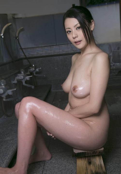 温泉 おっぱい 15