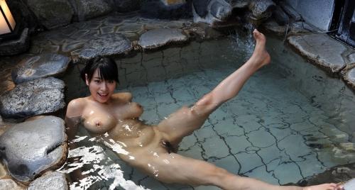 温泉 おっぱい 22