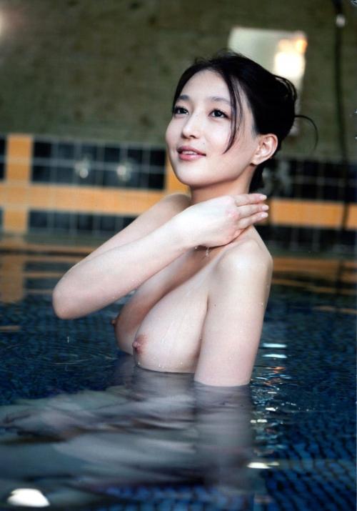 温泉 おっぱい 37