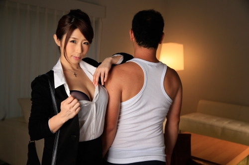 篠田あゆみ 働く美女の秘密 01