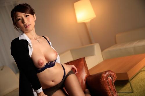篠田あゆみ 働く美女の秘密 08
