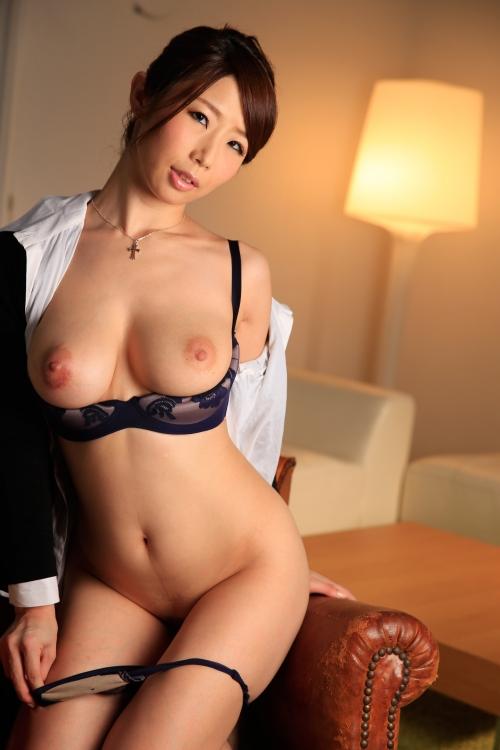 篠田あゆみ 働く美女の秘密 17