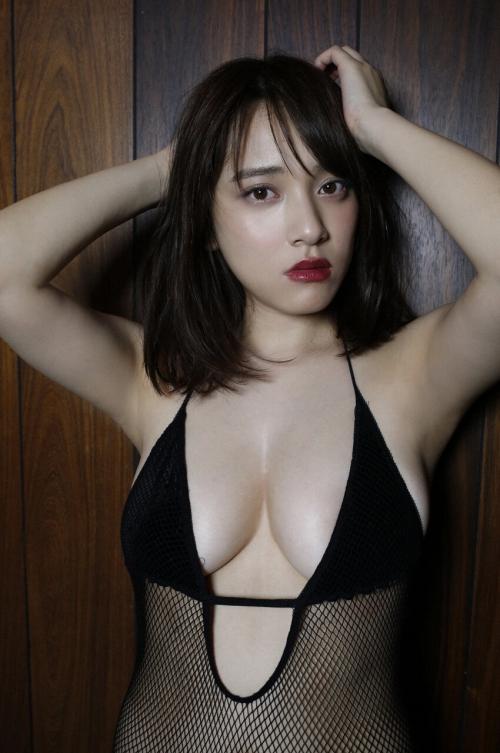 都丸紗也華 07