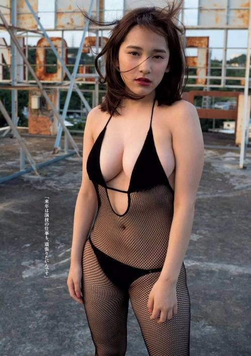 都丸紗也華 08