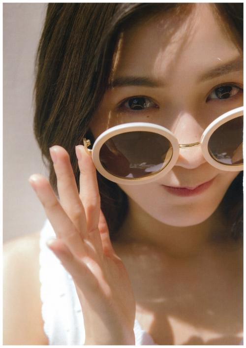 AKB48 渡辺麻友 写真集 『知らないうちに』 18