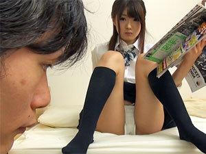 【痴女の潮ふき・オナニー動画】川村まや クラスメイトのカマトト淫乱痴女娘がパンチラで誘ってきたので、遠慮なくハメちゃいます!