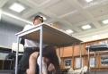 図書館で綺麗な子の股間を足で刺激していたら・・・