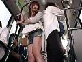 バスの中で痴女られ童貞卒業した相手は・・・