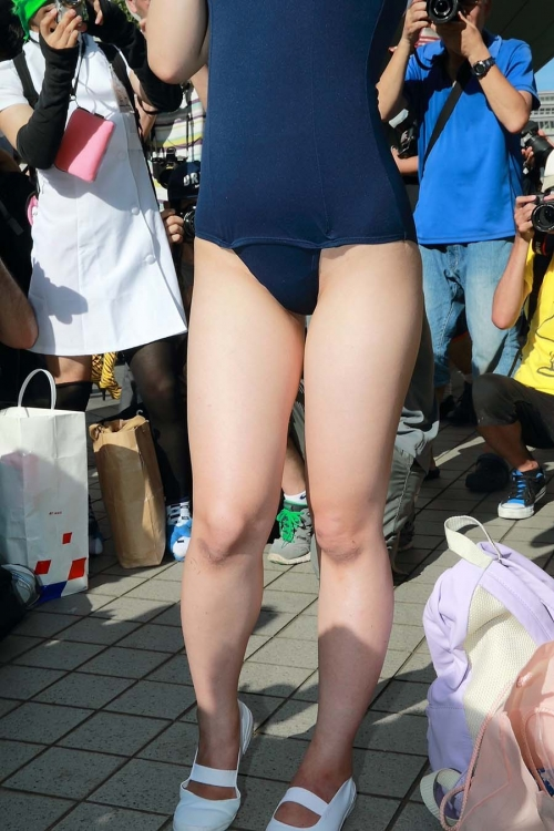 comike-cosplay-layer-H-oppai-manko-006.jpg