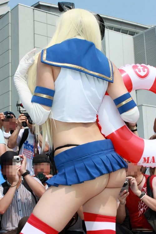 comike-cosplay-layer-H-oppai-manko-017.jpg
