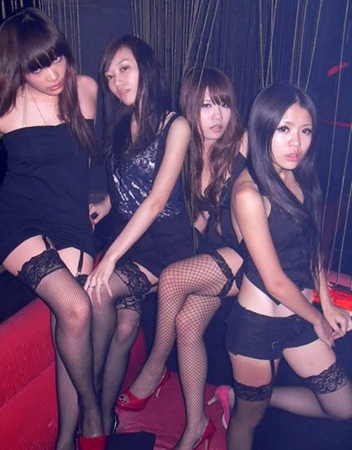 kebai-gal-club-party-kyabajyou-chinpo-gingin-019.jpg