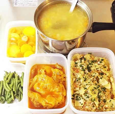 常備菜 ジャーマンポテト、鶏肉ケチャップ煮、いんげん豆のソテー、にんじんグラッセ、コンソメスープ