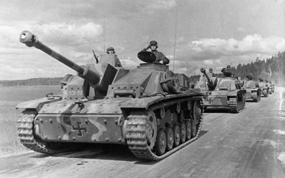 StuG_III_Ausf_G.jpg