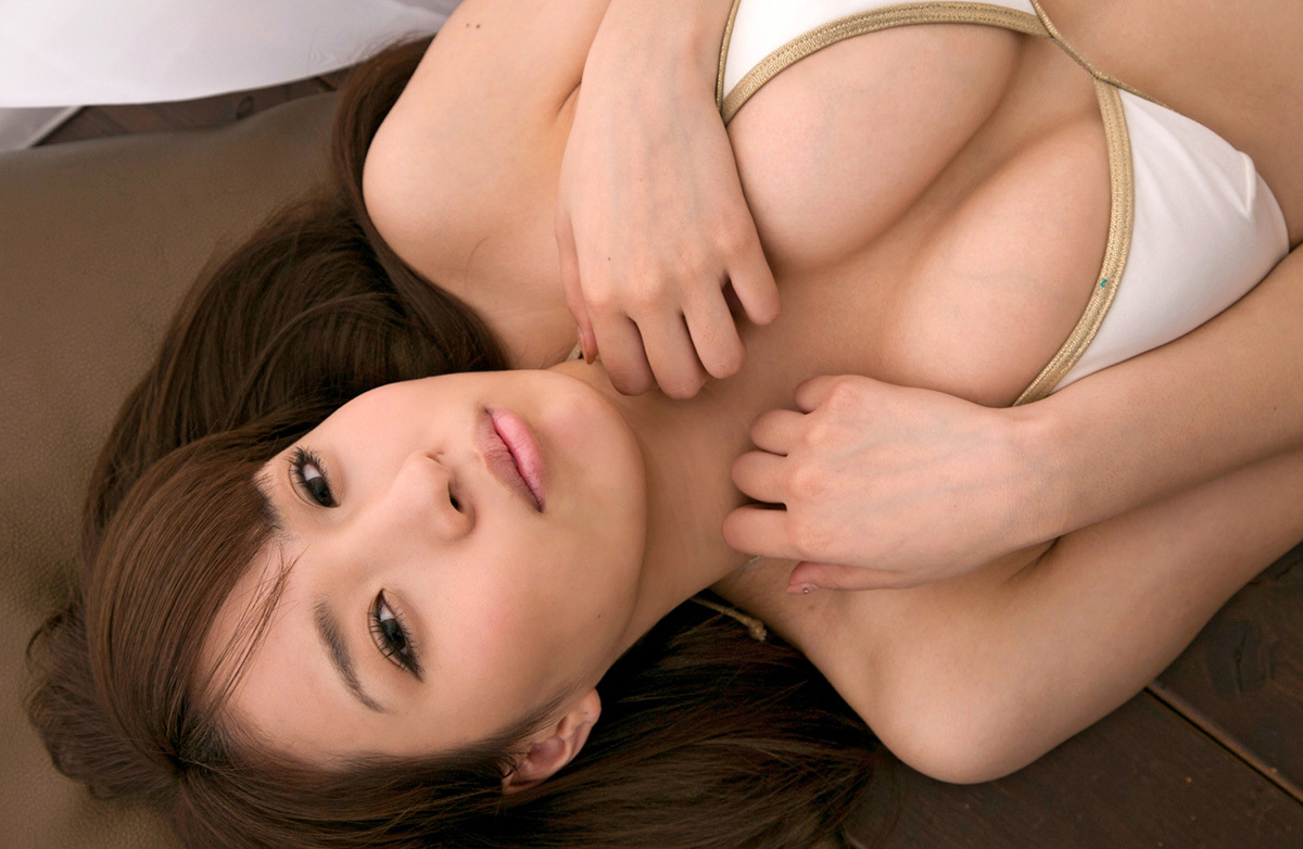 【No.31527】 谷間 / 椎名理紗