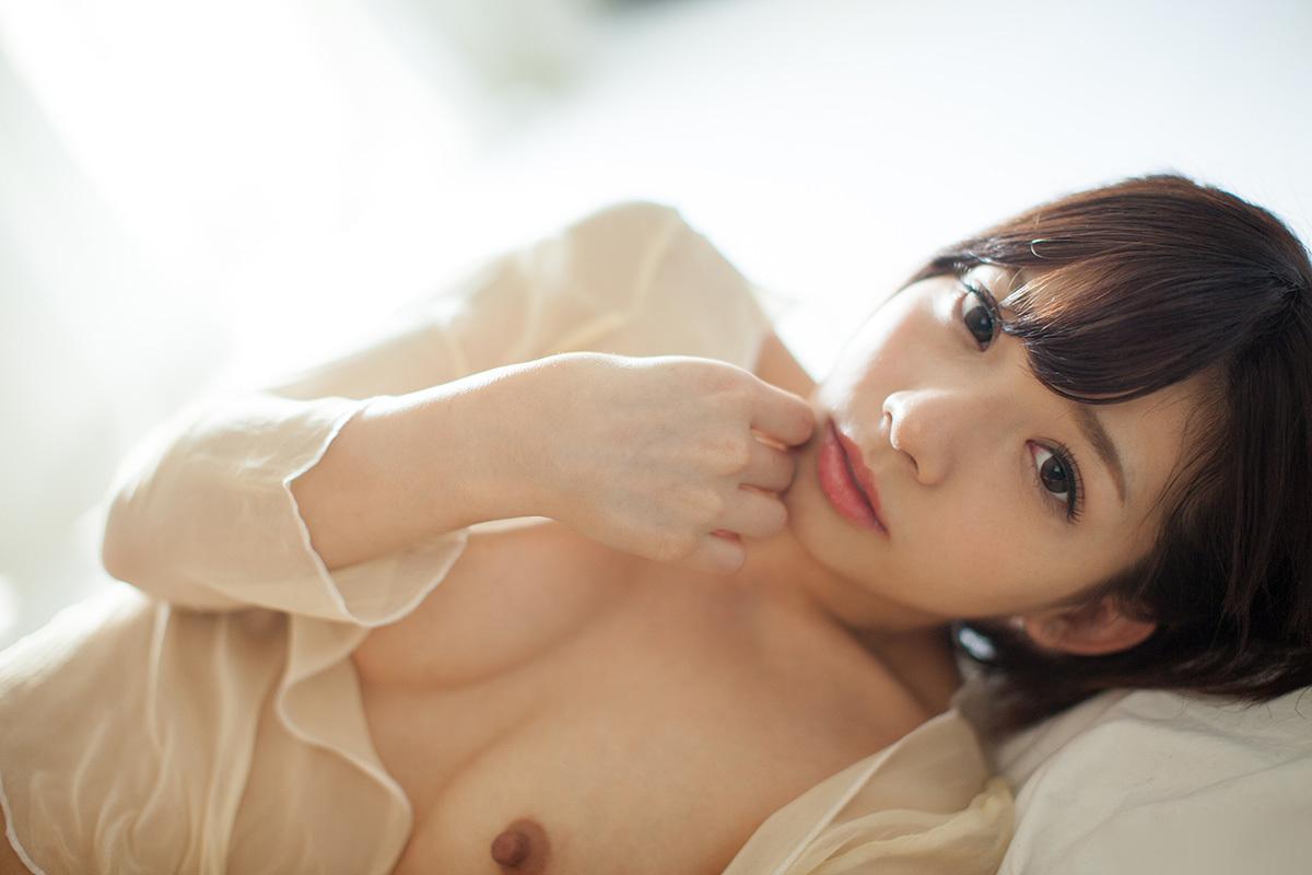 (No.31823) お乳 / 麻里梨夏