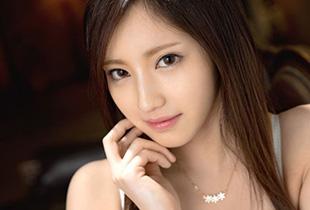 桃谷エリカ