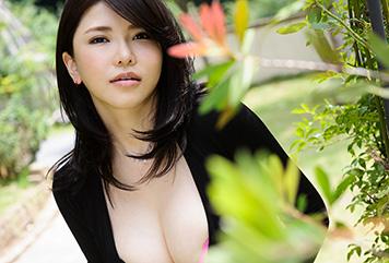 沖田杏梨のグラビア写真集