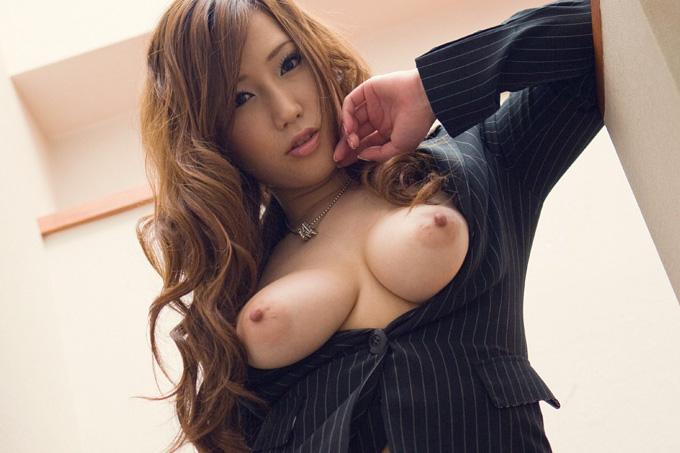 佐山愛 ムッチリ爆乳Hカップお姉さん 画像100枚