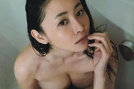 【画像】杉原杏璃(33)が遂に全裸グラビア解禁…2ch「あの垂れパイで大丈夫なのだろうか?」