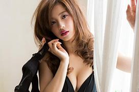 朝比奈彩(22) クールで強めな美女のぷるぷる唇。画像×35