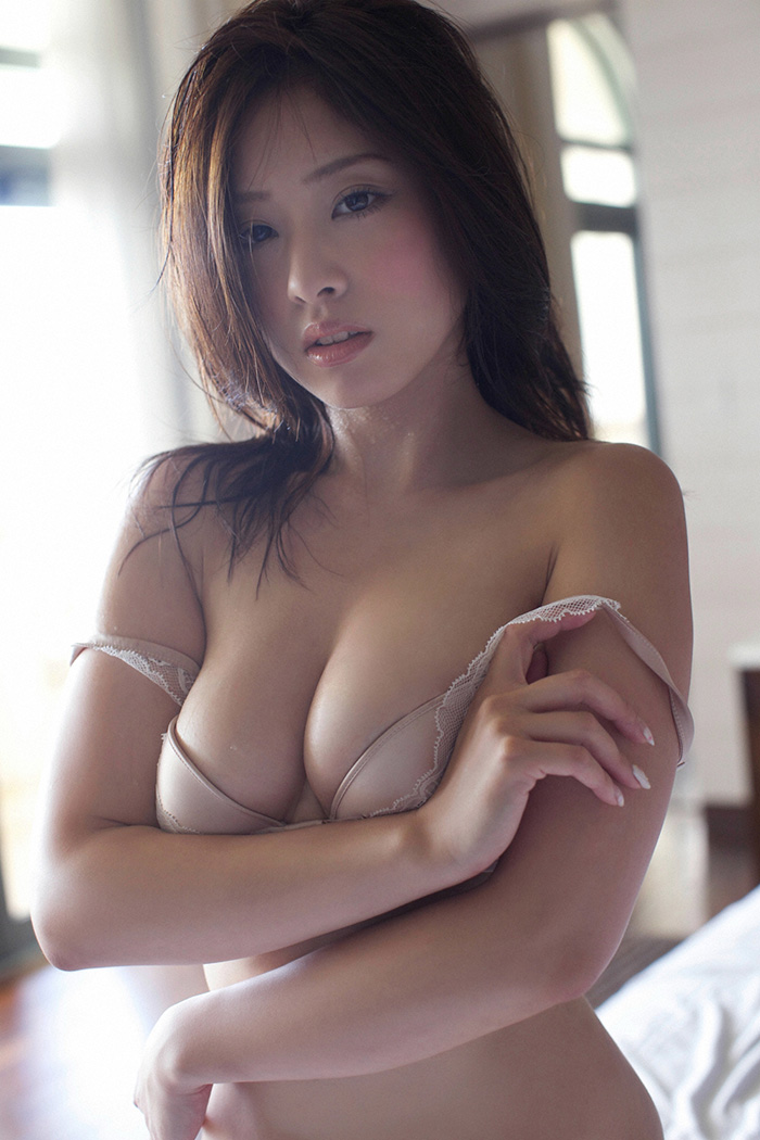 Sexy doll yuri sato 5by packmans - 1 2