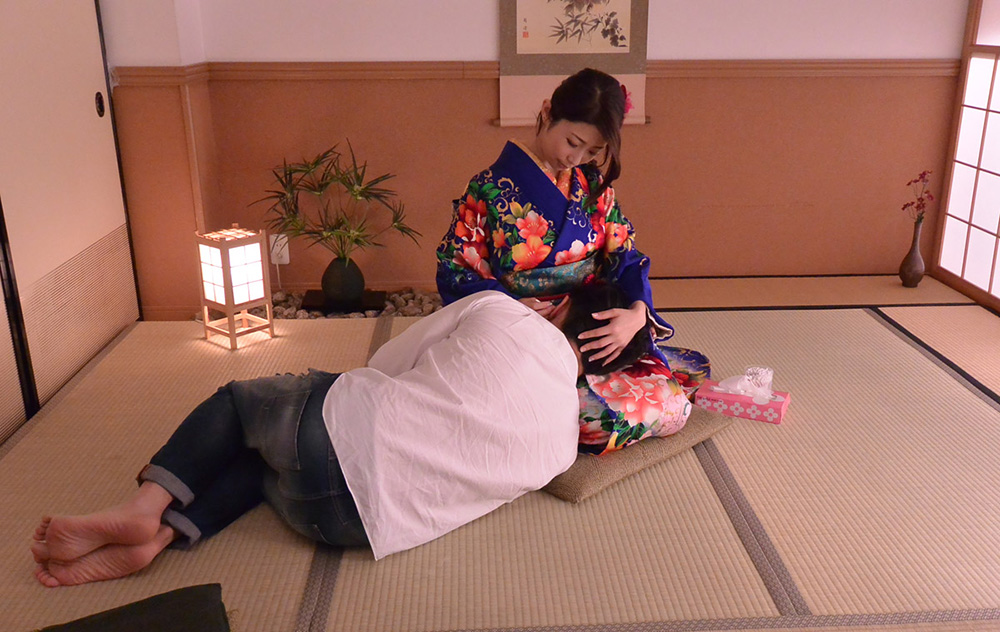 篠田あゆみ 無修正 AV 画像 1