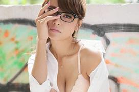 人気モデル小泉梓(28)の秘書&ランジェリー姿!グラビア画像×28