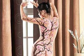 背中に刺青・タトゥーを大胆に入れちゃう外国人美女達のエロ画像 45枚