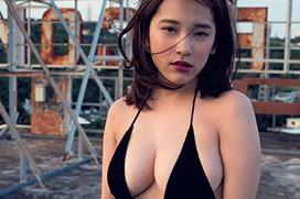 都丸紗也華 彼女史上、一番セクシー。