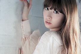小嶋陽菜 「彼女の正直な愛情。」 グラビア画像