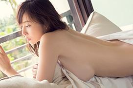 美麗グラビア × 杉原杏璃 裸にシーツ