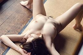 ジャパニーズエロス。畳でヌードのエロ画像