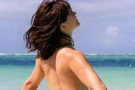 安枝瞳(27)が写真集で全裸ヌード!「尻丸出し!」「神々しいなw」