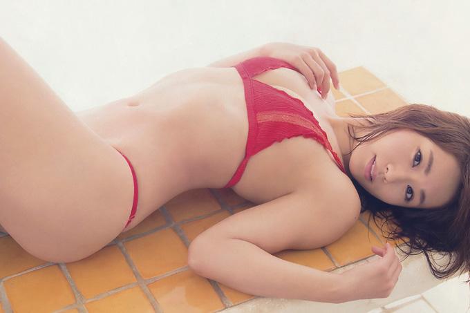 安枝瞳 ドキドキするプリティフェイスとセクシーヒップ!