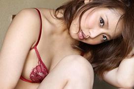 尻の魅力がたまらない麻倉みなのグラビア画像