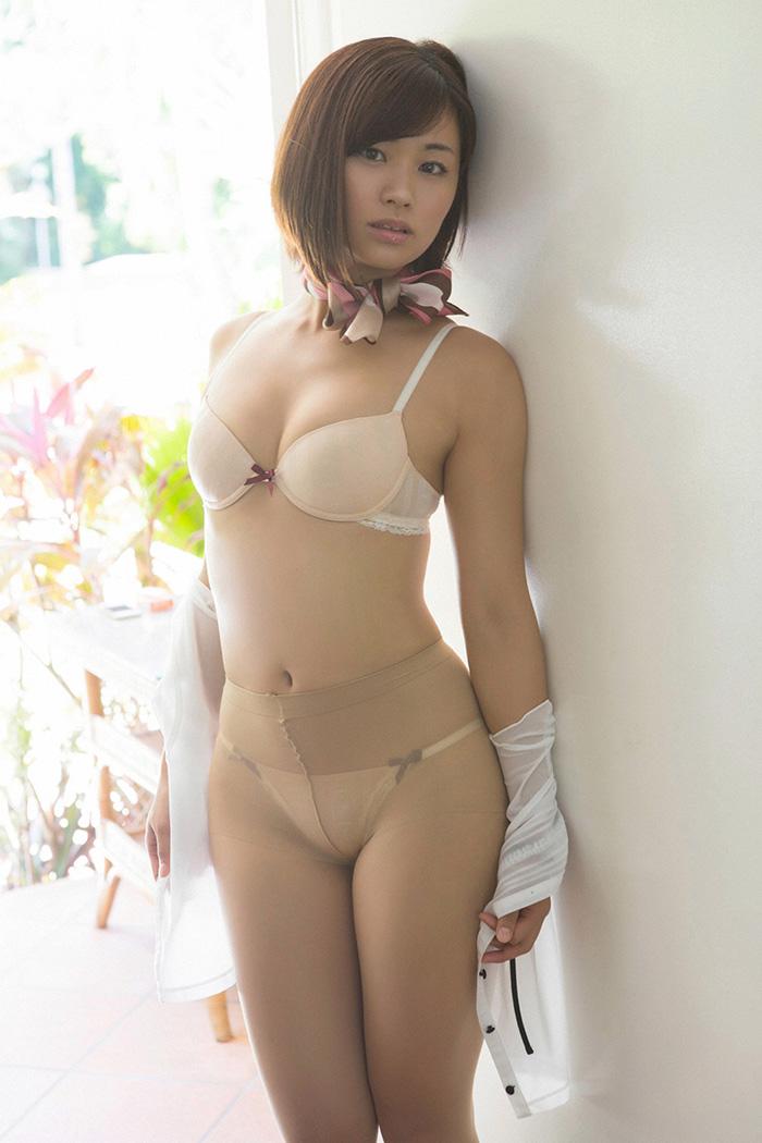 安枝瞳 画像 14