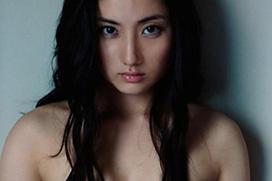 【衝撃画像】紗綾の全裸グラビア、乳首が判明…あのヌード、あまりに不自然だったからな…