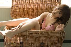 超名作グラビア劇場 浜田翔子の薄いピンクの下着姿。
